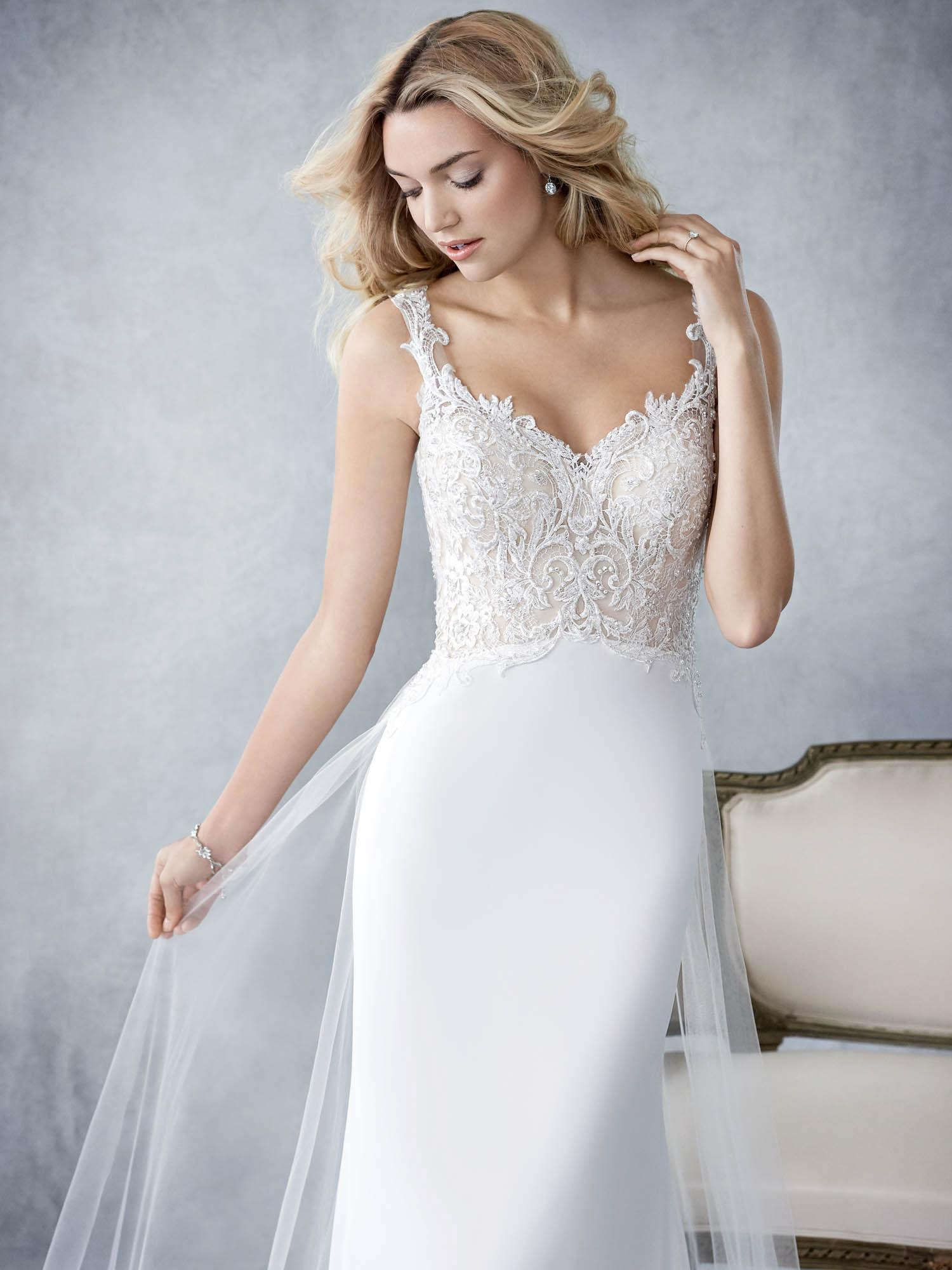 Kezdőlap Kínálatunk Menyasszonyi ruhák Ella Rosa Róza. Róza 1ae8ecc975